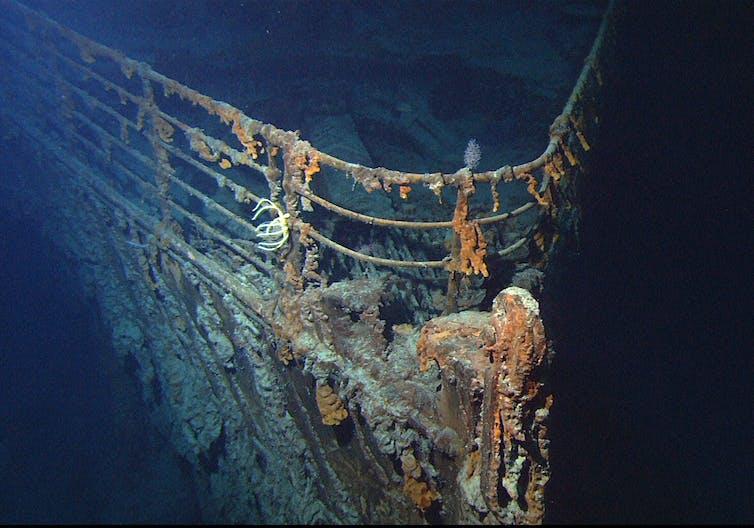 Sunken front half of Titanic