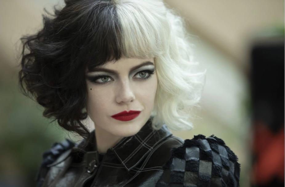 Emma Stone incarne le personage de Cruella dans le nouveau film.