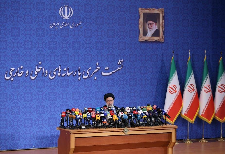 Ebrahim Raïssi en conférence de presse