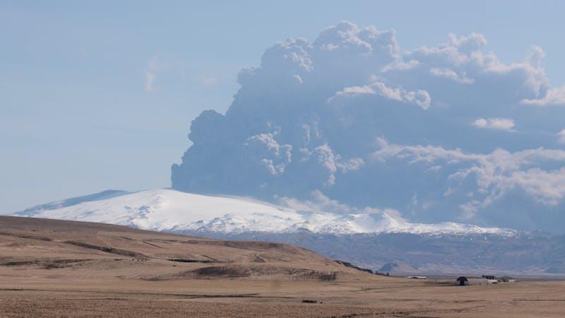 El papel de los volcanes en los cambios climáticos y las grandes extinciones