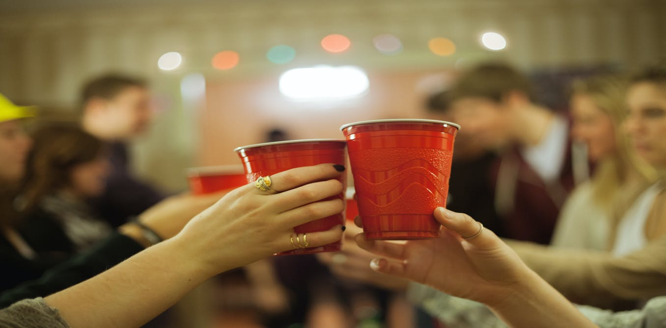 essay on college drinking Drugs and alcohol on college students essay drugs and alcohol on college membership in fraternities or sororities may play a part in drinking in college.