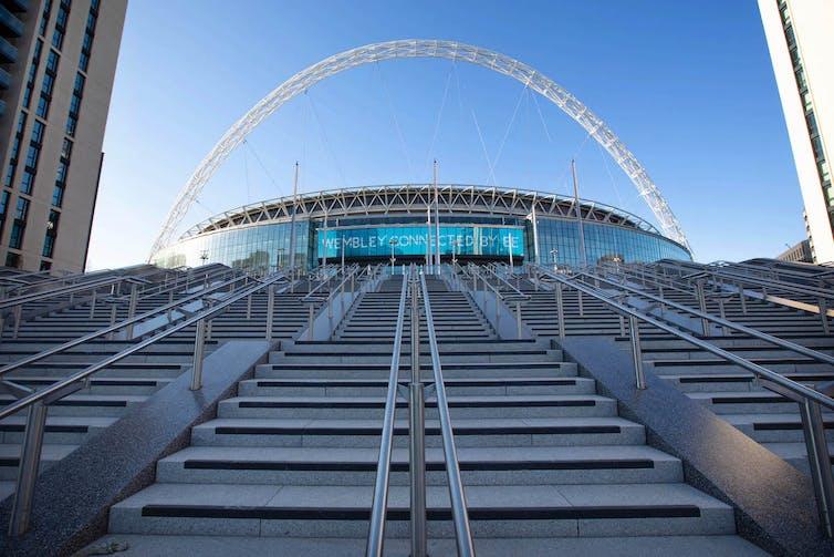 estadio con el arco estructura