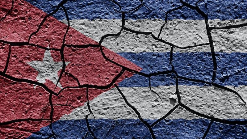 ¿Son las protestas en la isla el preludio de una transición a la cubana?