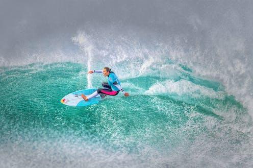 Carissa Moore surfing