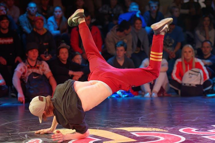 Breakdancer competing