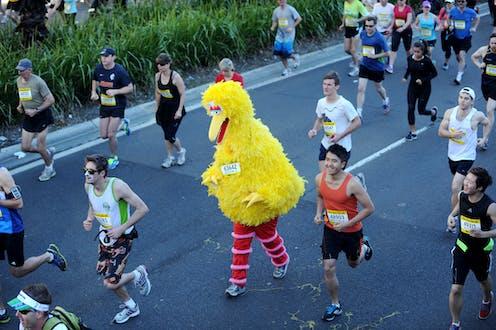 Runner in Big Bird costume at City2Surf