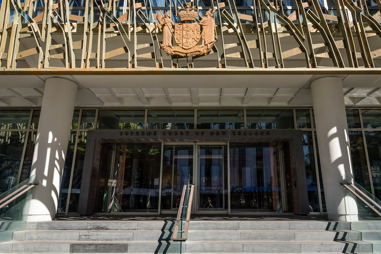 Entrance to NZ Supreme Court