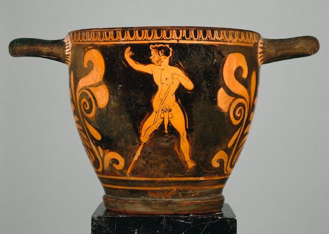 Skyphos italiote du IVᵉ siècle avant J.-C (peintre du Primato) représentant un satyre infirme appareillé © H. Lewandowski / RMN (via The Conversation)