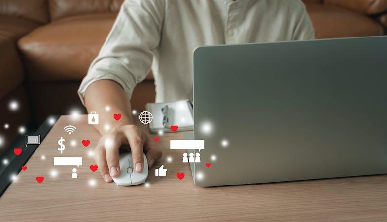 Las redes sociales mejoran la comunicación con el cliente y pueden hacer que la empresa ingrese más