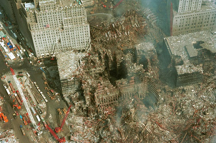 Vue aérienne du site des tours du World Trade Center ravagé