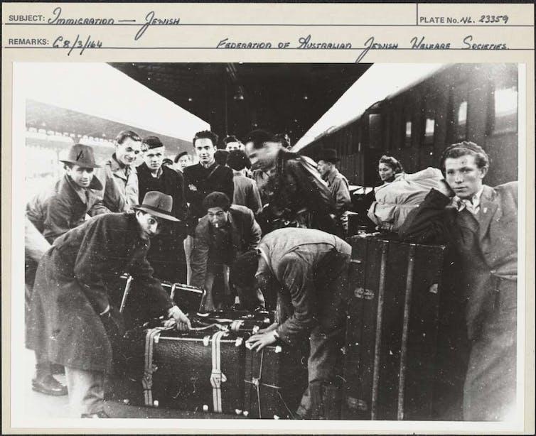 Jewish migrants arriving in Australia in 1939.
