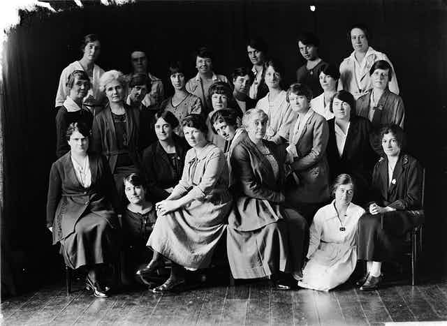 A group of women from the 1910s
