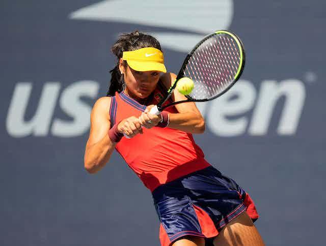 Emma Radacanu plays tennis