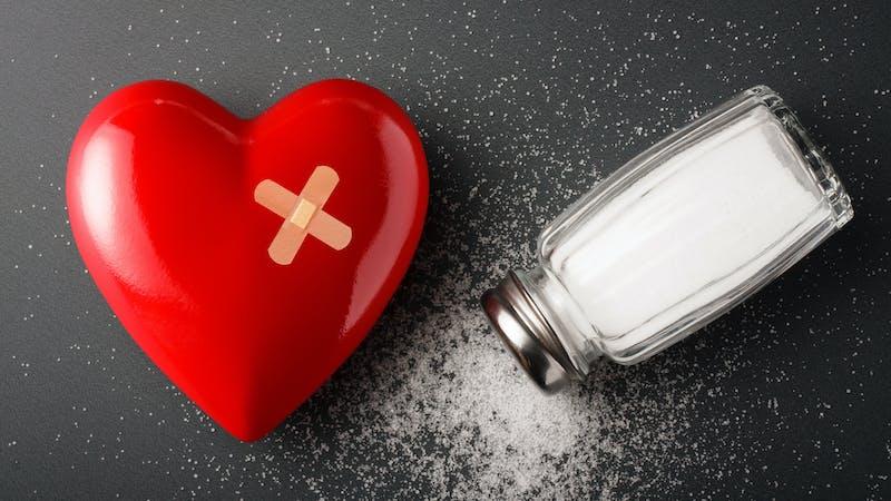 Reducir este ingrediente de nuestra dieta a la mitad salvaría millones de vidas