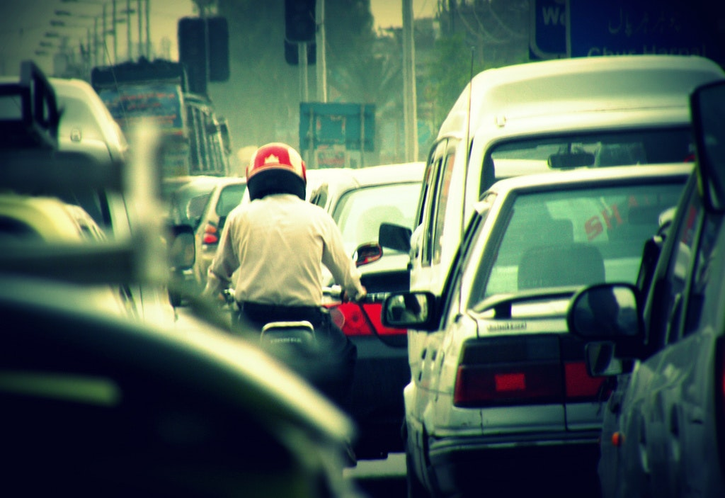 New road rules: when can motorcyclists beat the traffic?