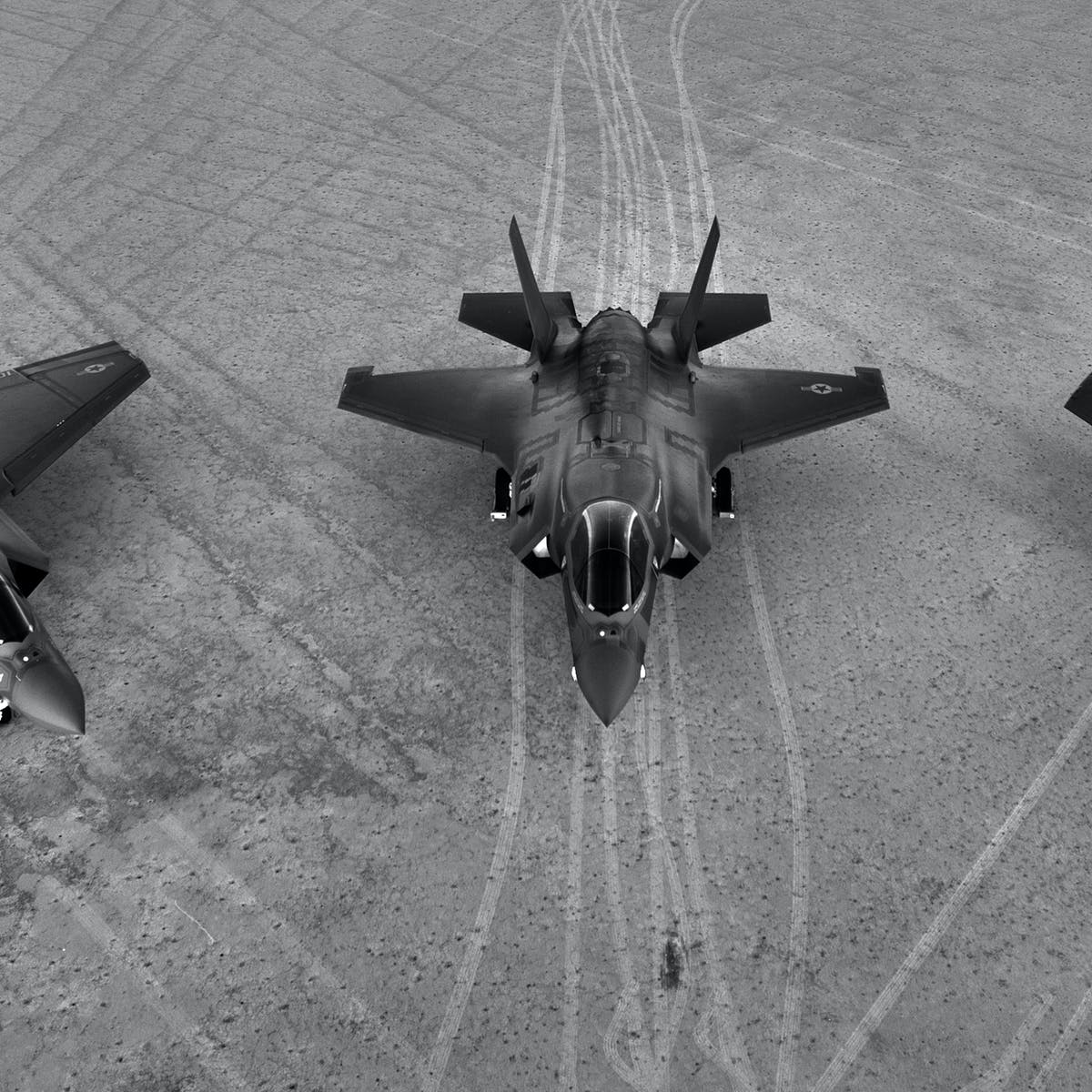 The F-35 JSF: what is a fifth-generation fighter aircraft?