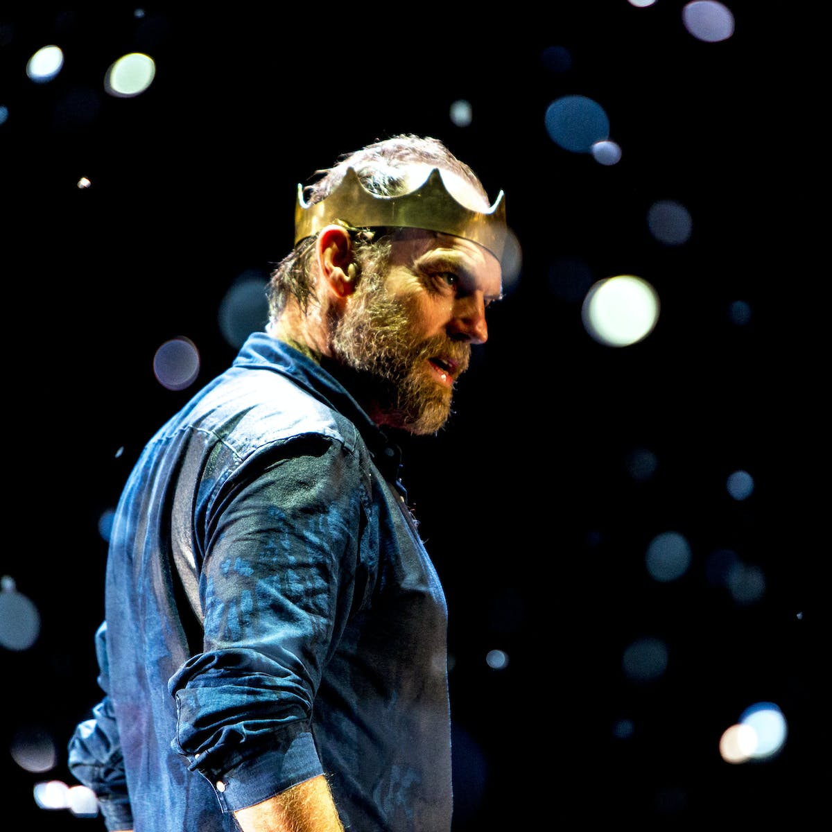 Hugo Weaving reveals Macbeth's weakness – and his unhappiness