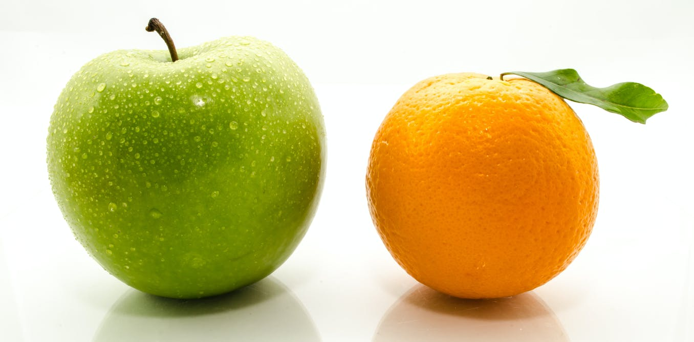 картинка апельсина и яблоками светло-желтые середине