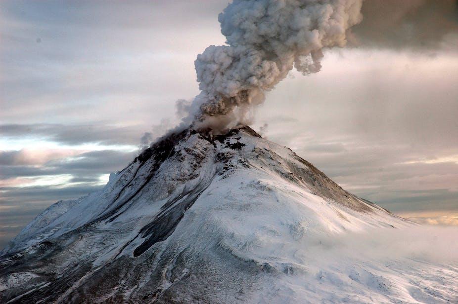 volcano eruptions  alaska   trans atlantic chaos  airlines