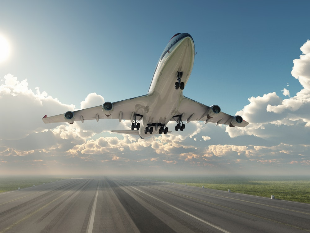 5 Benefits of Traveling by plane