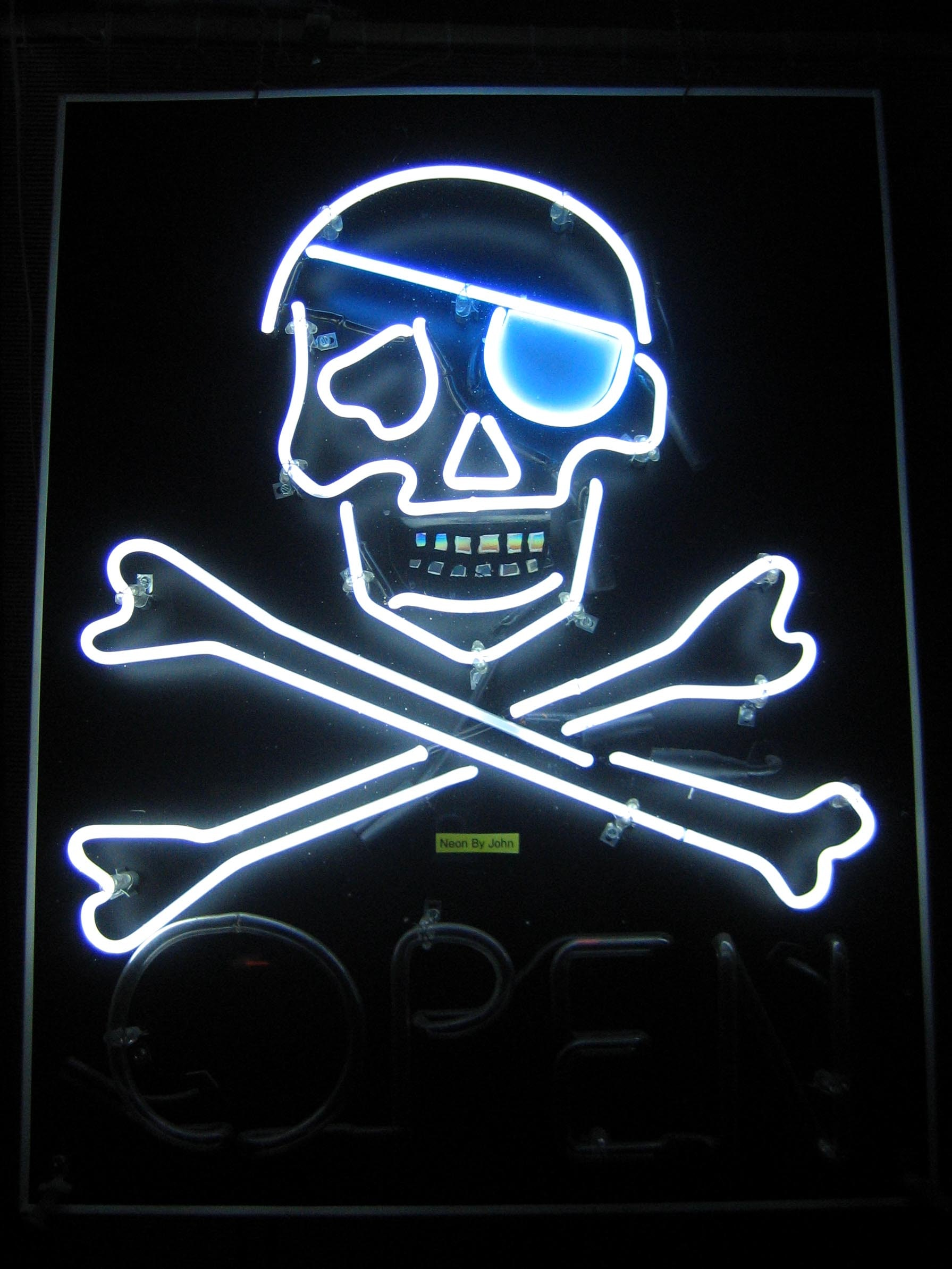 Combating Piracy Can Benefit From Google (and Apple) Own