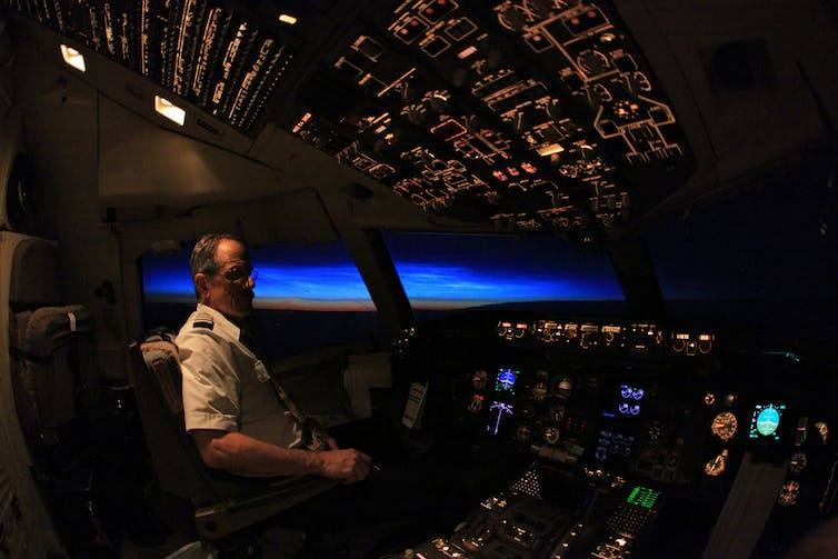 When 'selfies' extend to plane cockpits, pilots could land ...  When 'selfi...