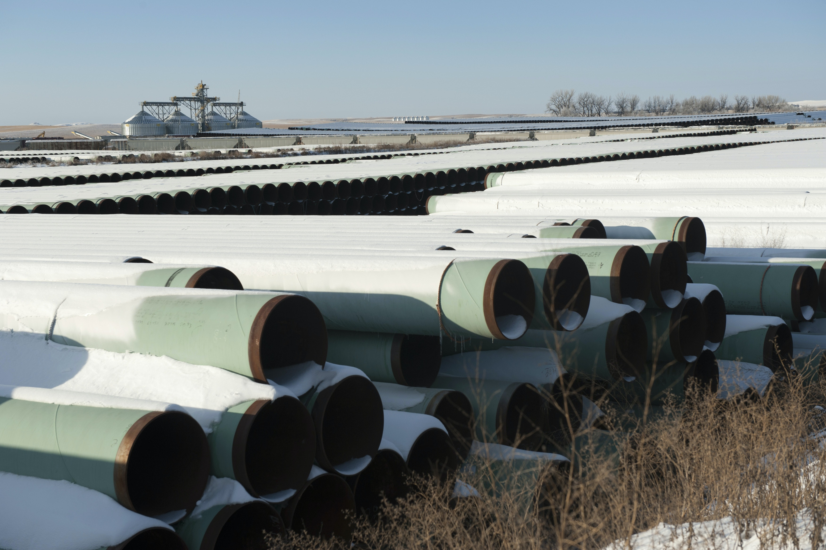How should we calculate the CO2 impact of the Keystone pipeline proposal?