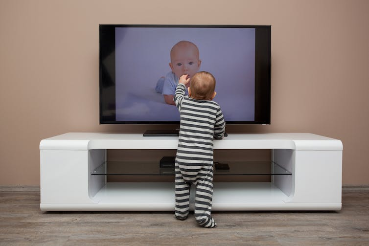 a discussion on television watching Is tv for kids good or bad how much tv should kids watch every day what  kind of tv shows can be watched if these are some of the.