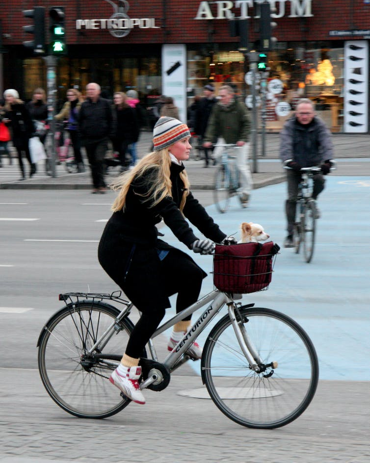 Copenhagen residents have improved well-being while reducing emissions. Image: Colville-Andersen/flickr, CC BY-NC-SA
