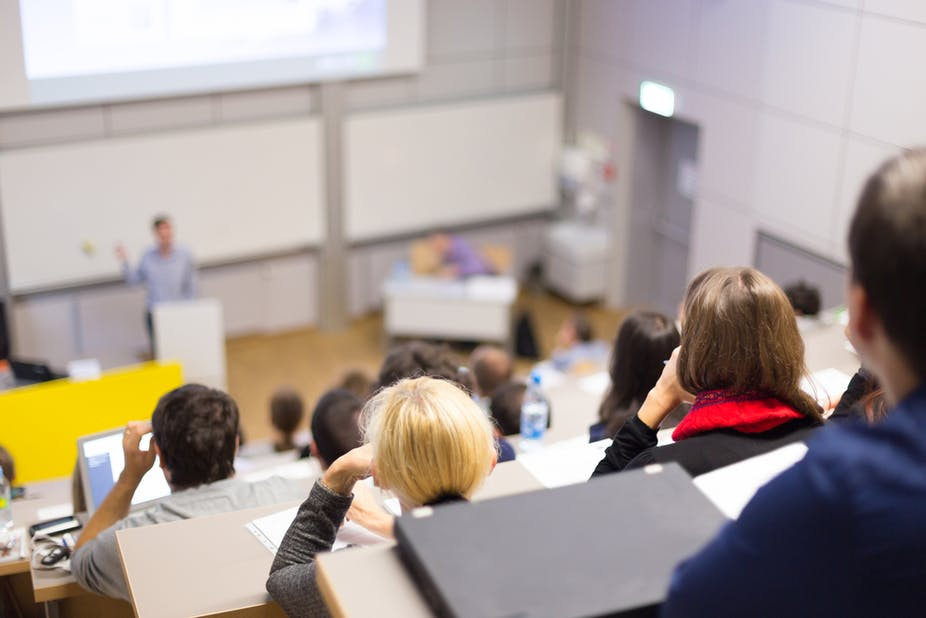 Let's ban PowerPoint in lectures – it makes students more stupid and
