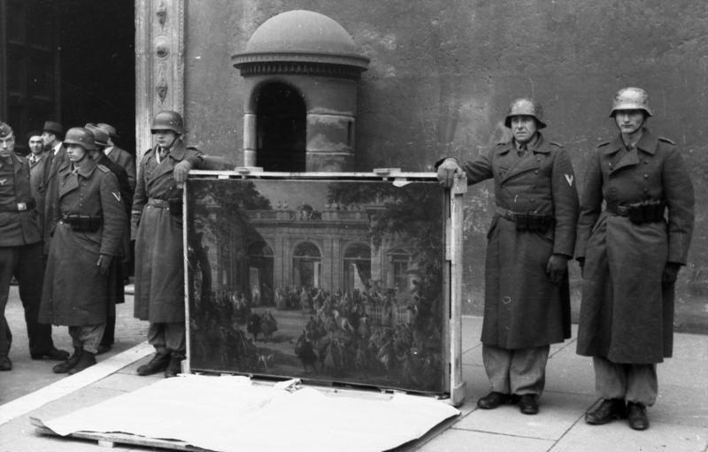 nazi art looting during ww2 triumph and tragedy
