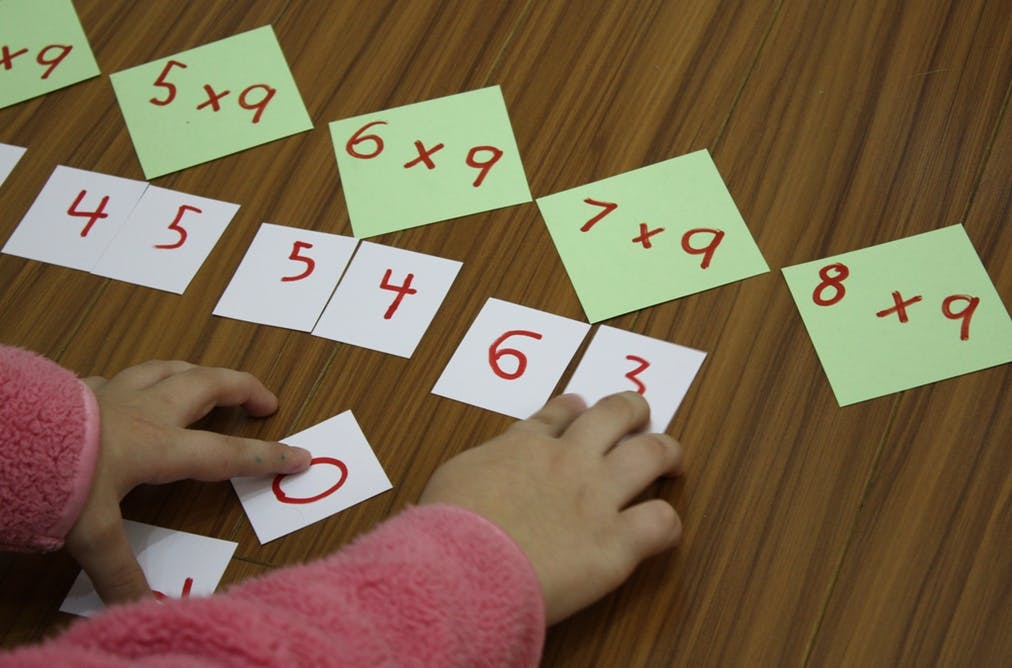 The 12 days of pascal 39 s triangular christmas for 12 days of christmas table numbers