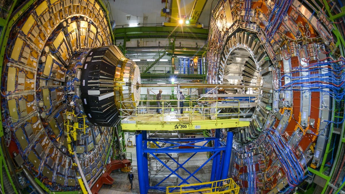 Explainer: how does an experiment at the Large Hadron Collider work?