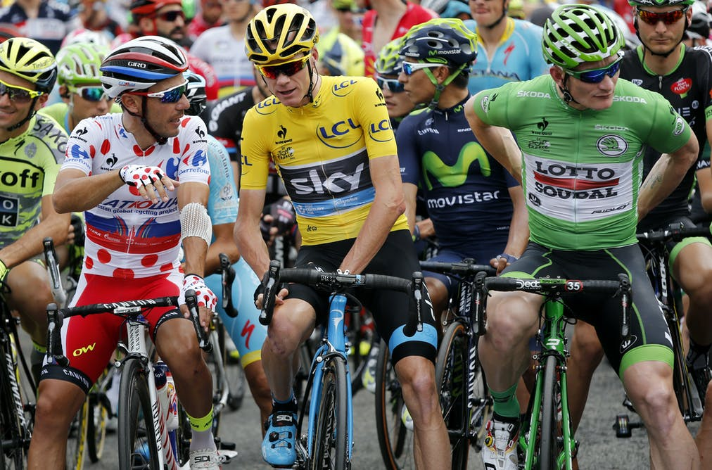 Yellow-jersey Chris Froome and his fellow cyclists lining up at Stage 4 of  the tour on July 7. EPA a6da28431