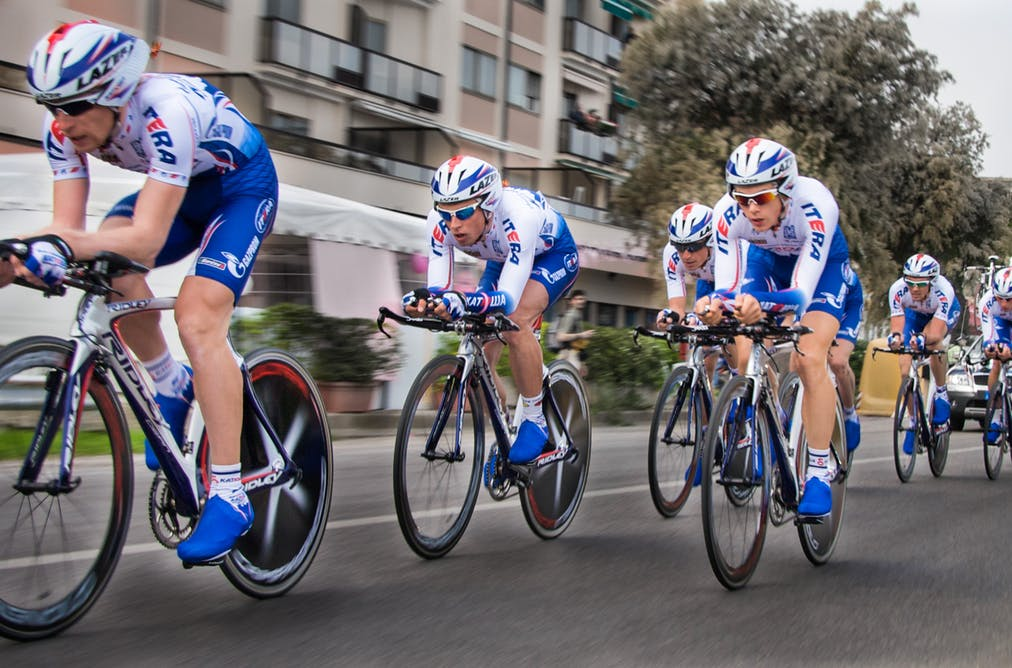 Keeping it together. Staying out the wind. the TTT at the Giro d Italia.  Aukje de Vrijer 11a6337ab