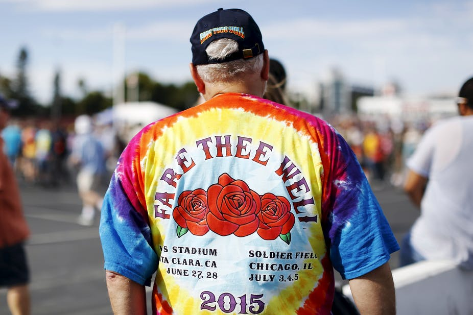376beae4c50 A Grateful Dead fan wears a shirt commemorating the band s farewell tour.  Stephen Lam Reuters