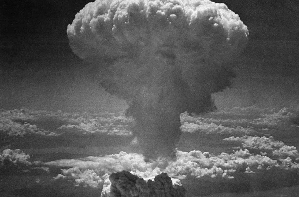the effects and consequences of dropping the atomic bomb on japan The medical effects of the atomic bomb on hiroshima upon humans can be put into the four categories below, with the effects of larger thermonuclear weapons producing blast and thermal effects so large that there would be a negligible number of survivors close enough to the center of the blast who would experience prompt/acute radiation effects.