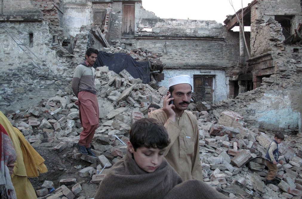 pakistan earthquake The 2005 kashmir earthquake occurred at 08:50:39 pakistan standard time on 8 october in pakistan administered areas of kashmir it was centered near the city of muzaffarabad, and also.